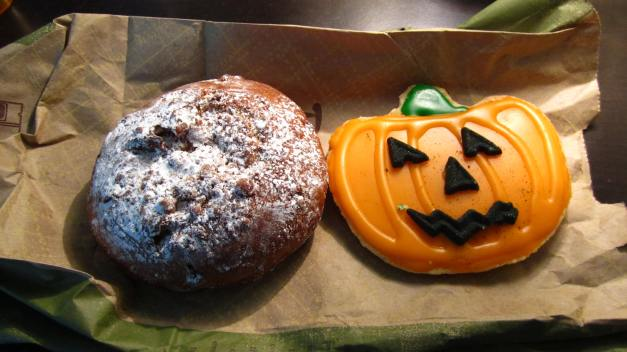 Panera Bread has Pumpkin Pie Bagels  Jack-O-Lantern Cookies