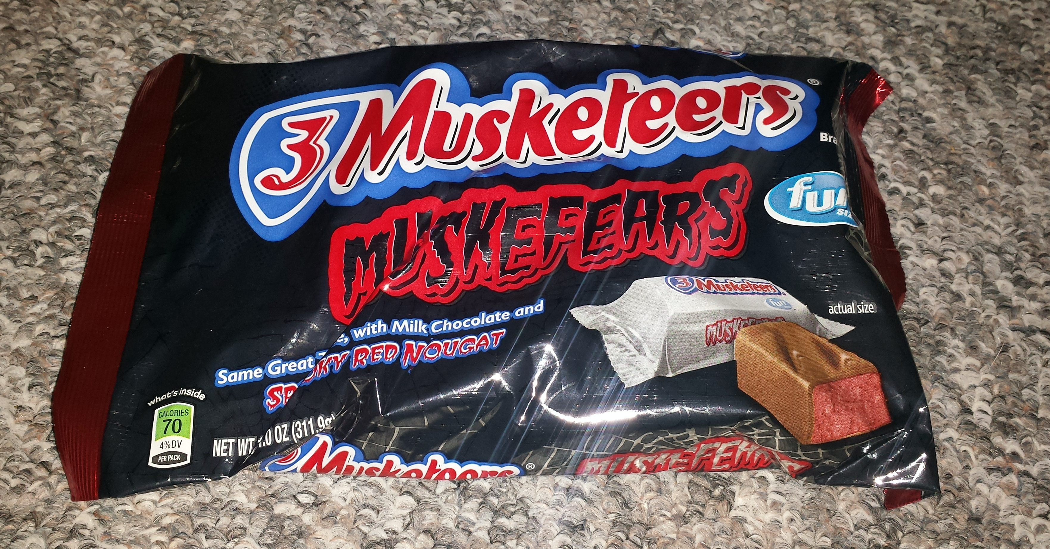 it's not too early for halloween candy is it? 3 musketeers